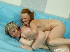 Nude BBWs in the ring Wild Chubby redhead fight vs BBW blondevideo